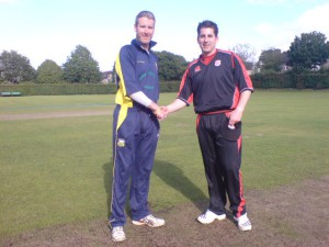 robert-duggan-and-morne-bauer-shake-hands-before-the-toss