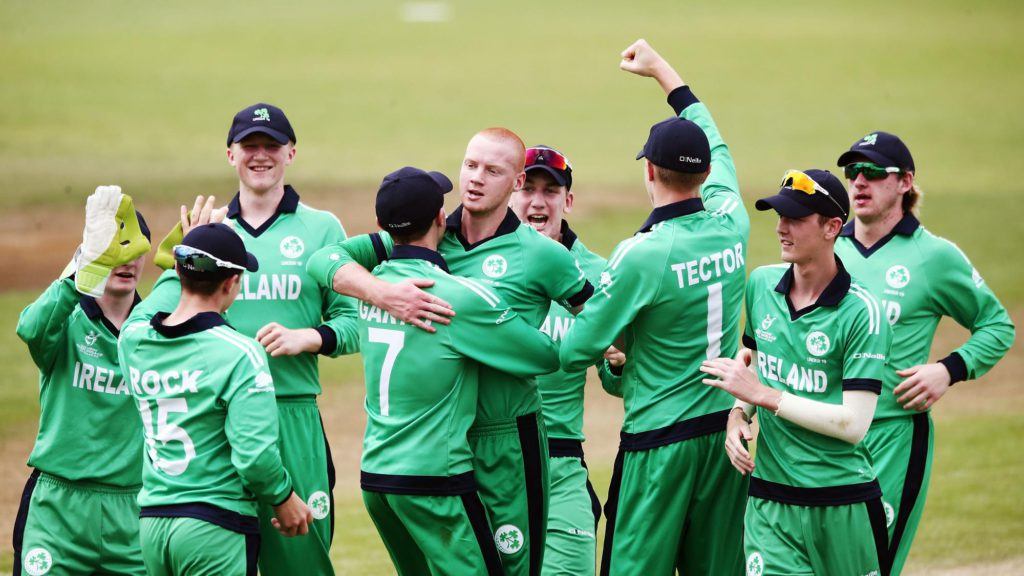 Ireland celebrate the wicket of Dhananjaya Lakshan (image: www.icc-cricket.com)